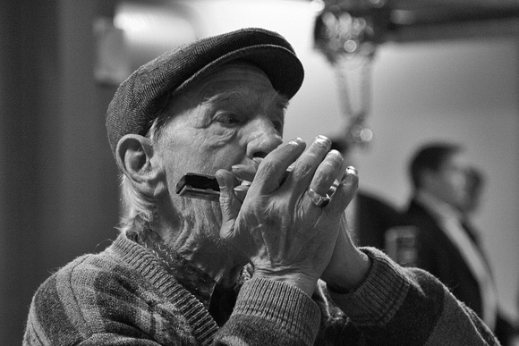 Old harmonica player - Downtown Reykjavik